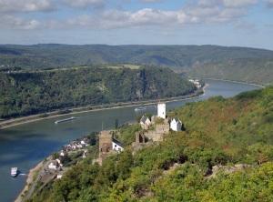 Blick vom Brömserkopf auf die Burgen