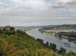 Blick von Brohl Lützing auf Burg Rheineck