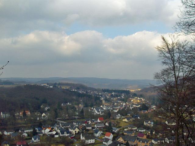 Blick vom Höhenpfad auf Herchen