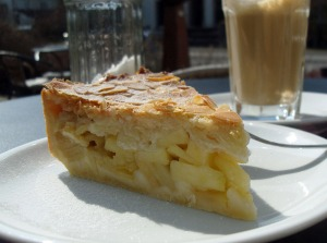 Kaffee & Kuchen im kleinen Landcafé