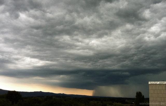 kurz vor dem Unwetter - 26.08.2011 - 16:09 Uhr
