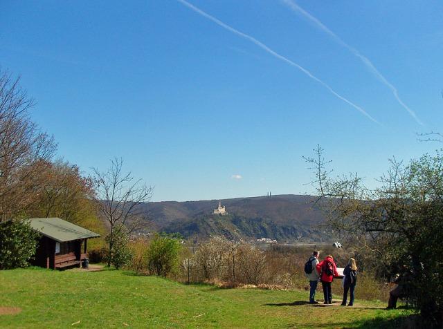 am ersten Aussichtspunkt - Blick auf die Marksburg