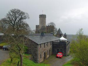 Burg Pyrmont im Regen