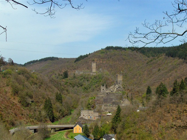 Zum Abschluss nochmal der Blick auf Ober- und Niederburg
