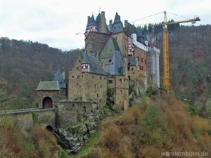 Burg Eltz - noch mit Gerüst