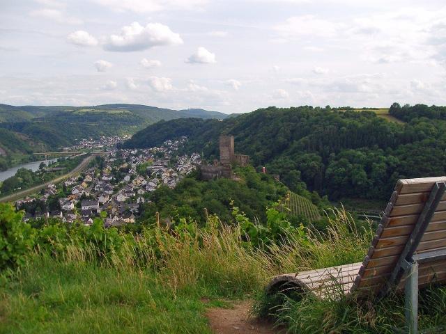 Blick auf die Niederburg und Kobern Gondorf
