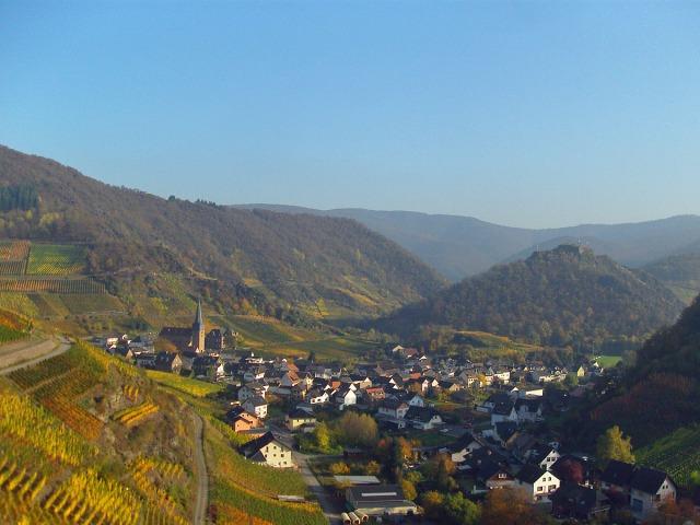 Mayschoss und die Saffenburg