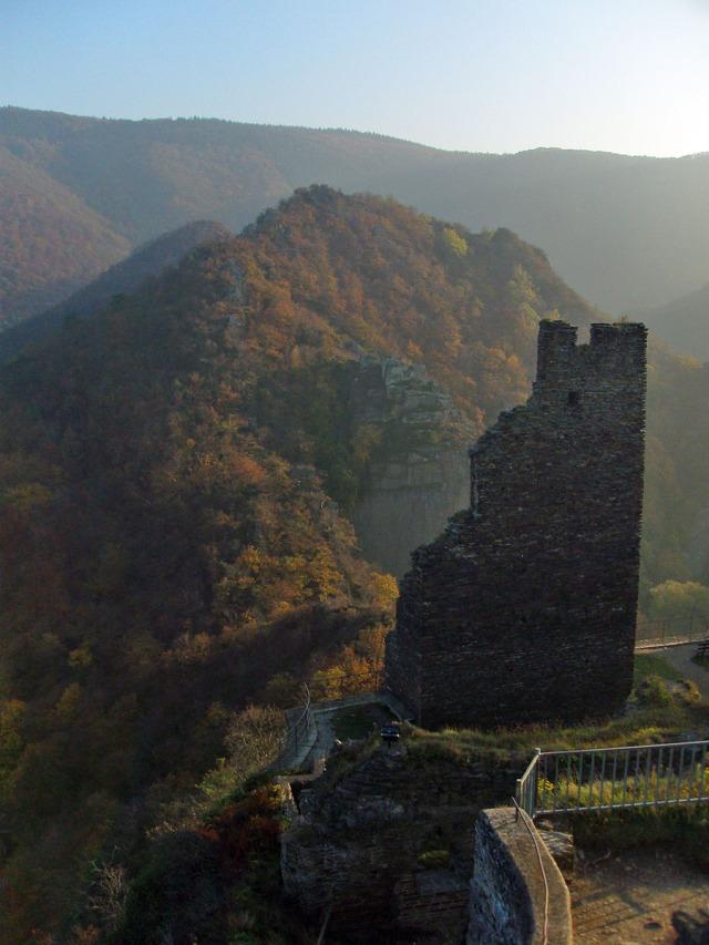 im letzten Licht auf der Burg Are