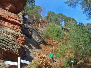 Klettern an der Deichenwand