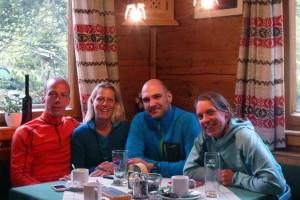 Wanderer & Trailrunner friedlich vereint