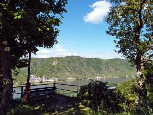 Aussicht auf den Rhein und Burg Katz