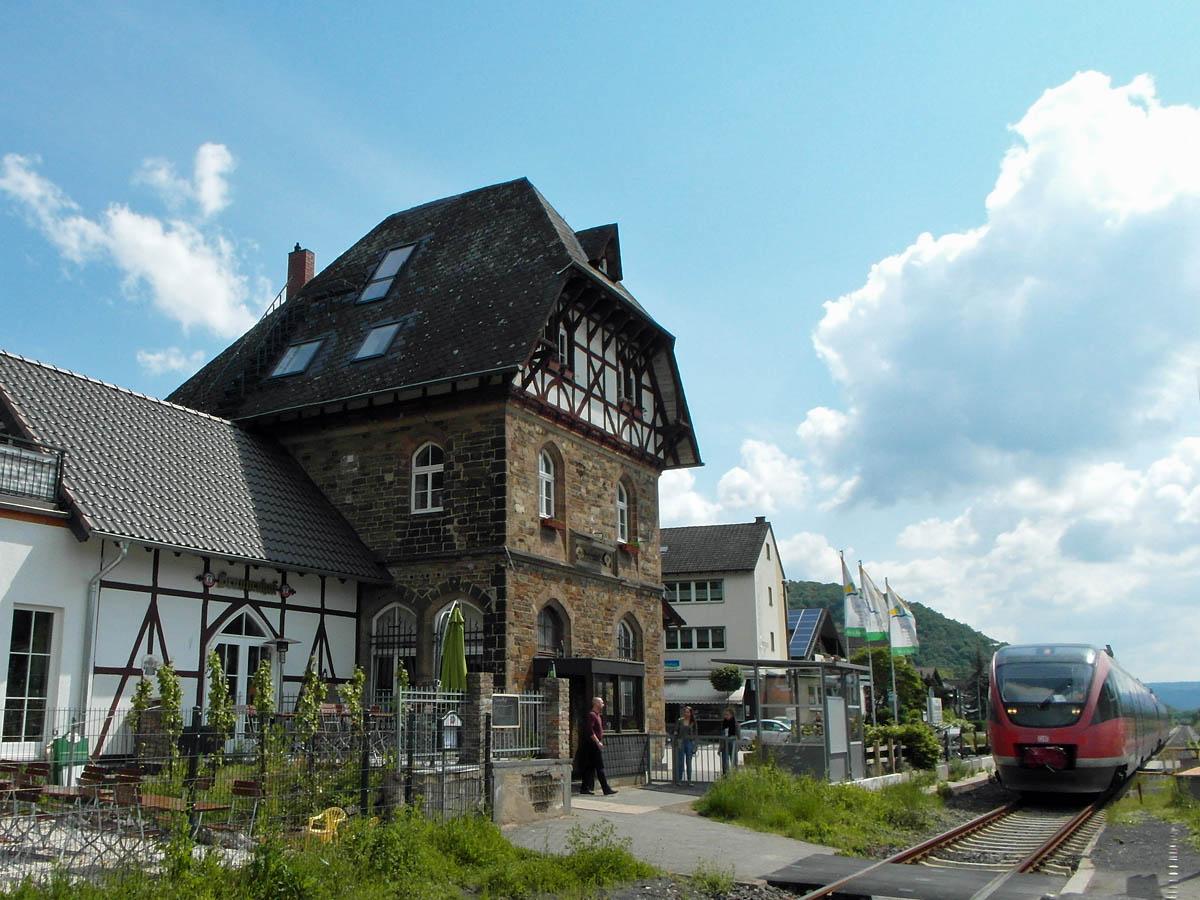 Ahrsteig Etappe 7 Von Bad Neuenahr Nach Sinzig Wandernbonn De