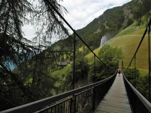 Jump & Run auf der Hängebrücke