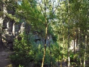 Riesige Basaltfelsen