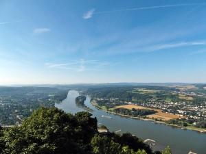 Blick vom Drachenfels gen Süden