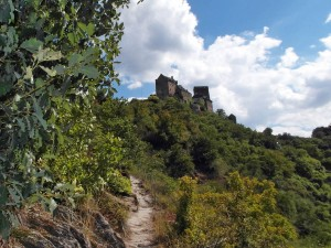 Felsenpfad zur Burg