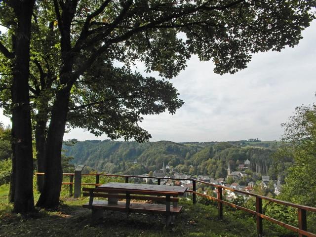 Helmut-Land-Platz