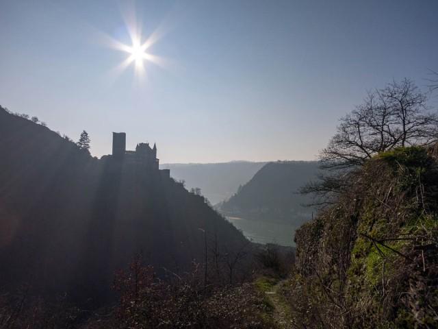 Blick auf Burg Katz und das Rheintal