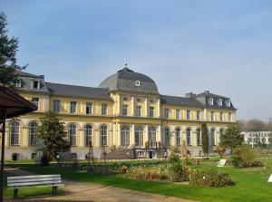 Poppelsdorfer Schloss am Botanischen Garten