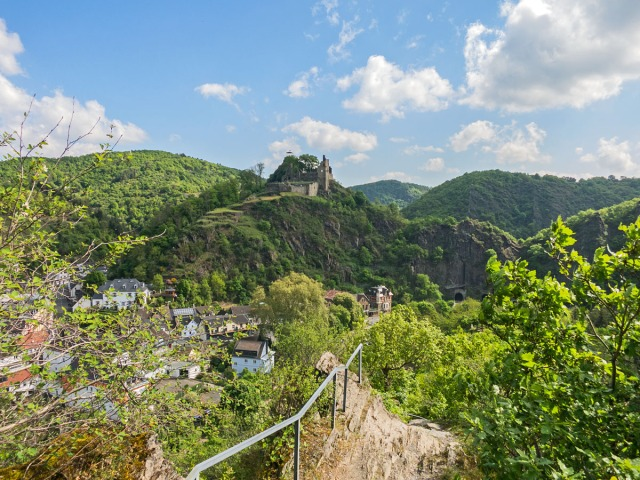 Burg Are im Blick